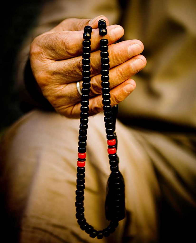 tokompoloi52_prayer_beads-825x1024