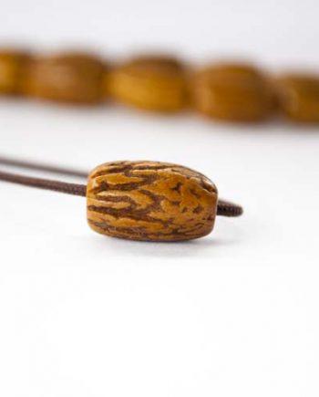 Χειροποίητο κομπολόι από κουκούτσι λουστραρισμένο καφέ